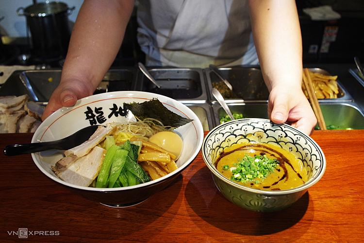 A portion of Japanese ramen in Little Japan costs around VND100,000 ($4.3). Restaurants around here use fresh local ingredients, while some components at the restaurant, such as spices, noodles, pickled vegetables, are imported from Japan to keep the food authentic taste.